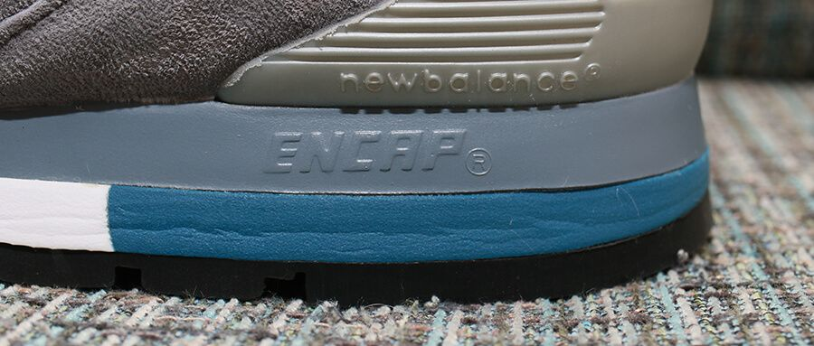 ニューバランスM996のはクッション性も高い。ソールに秘密?
